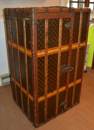 Early 1900 ' s Louis Vuitton Upright Wardrobe Trunk 2