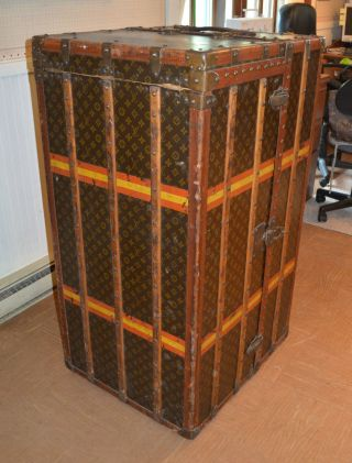 Early 1900 ' s Louis Vuitton Upright Wardrobe Trunk 5