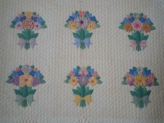 MASTERPIECE Trapunto Vintage 1937 French Bouquets Applique QUILT 10