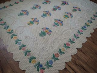 MASTERPIECE Trapunto Vintage 1937 French Bouquets Applique QUILT 4