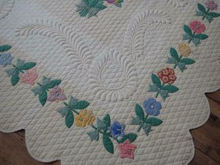 MASTERPIECE Trapunto Vintage 1937 French Bouquets Applique QUILT 5