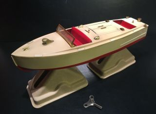 Vintage Lionel Craft Runabout No.  43 Wind - Up Stamped Metal Speed Boat,  Key,