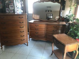 Antique Dixie French Provincial Bedroom Furniture