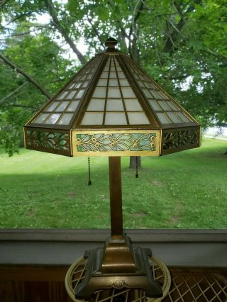 """"""" Bradley & Hubbard """" Arts & Crafts Stained Glass Table Lamp - Early Electric"""