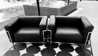 Two Authentic Cassina Lc3 Mid - Century Modernarmchairs Deisgned By Le Crobusier