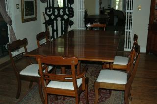 Willett Wildwood Cherry Gate Legged Expanding Dining Table With Six Chairs