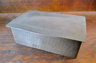 DIRK VAN ERP BOX WITH DECORATIVE ARTS AND CRAFTS BORDER ON THE LID 4