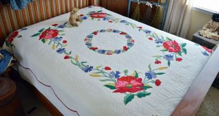 Antique Vintage Hand Stitched Floral Applique Quilt