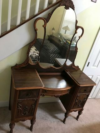 ANTIQUE BEDROOM COMPLETE MATCHING SET ALL MUST