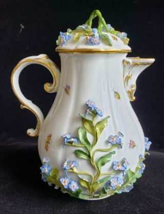 Exceptional Meissen Tea Set,  Insects Leaves,  Flowers,  Crossed Swords 3