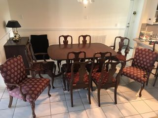 Henkel Harris Mahogany Model 2208 Dining Room Table,  Leafs,  Chairs,  Full Pads