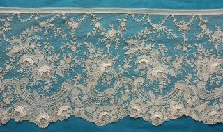 300 Cms Antique Brussels Rose Point De Gaze Lace Border