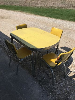 Vintage Yellow Formica Dinette Kitchen Table & 4 - Chairs Set With Extra Leaf