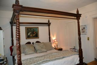 California King Size Chippendale Four Poster Canopy Bed (mattress)