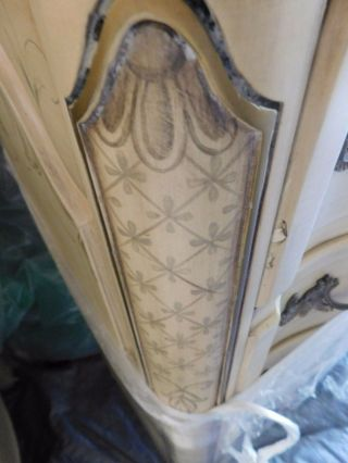 KARGES BREAKFRONT / CHINA CABINET FRENCH PROVINCIAL Hand Painted 12