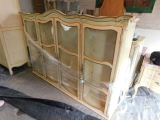 KARGES BREAKFRONT / CHINA CABINET FRENCH PROVINCIAL Hand Painted 3