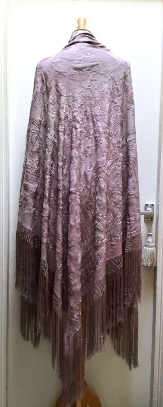 Antique Chinese Lilac Silk Embroidered Shawl,  Manton De Manila.  Figures,  Dragons