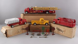 Early 1940s Antique Arcade Cast Iron International 709 Stake Truck,  Box 11