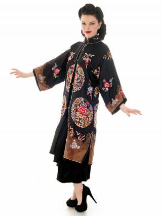 """Antique Vintage Chinese Coat Womens Silk Embroidered Coat 1920s 42 """" Bust"""