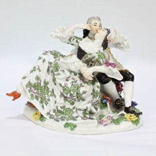 Old Or Antique Meissen Porcelain Figurine Of Lovers In An Embrace - Model 612 Pc