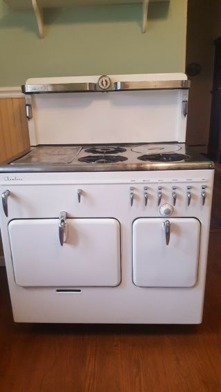 Vintage Gas Stove/1941 Chambers In.