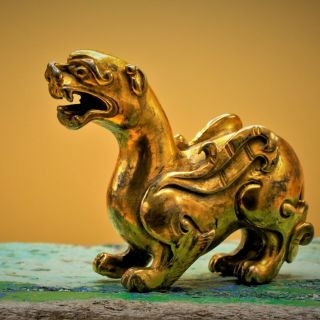17th Century,  Gilt Bronze Chinese Pixiu Creature Paper Weight Bixie 貔貅 Feng Shui