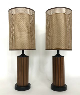 2 Mid Century Modern Gruvwood Table Lamp Pair Fiberglass Caned Double Shade