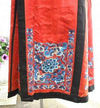 Antique Chinese Embroidered Skirt Qing Period In Cinnabar Red Blue Silk Lining
