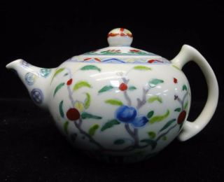 """Rare Vintage Chinese """" Doucai """" Hand Painting Porcelain Teapot Marked """" Chenghua """""""