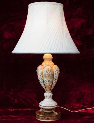 Vintage Italian Capodimonte Cherubs Ornate Table Lamp Italy