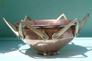 Antique Arts And Crafts Hammered Copper Bowl Brass Crown Handles Modernist Chic