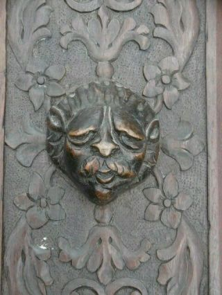 Gothic Oak Carved Panel With Grotesque Lion Man To Centre C.  1700
