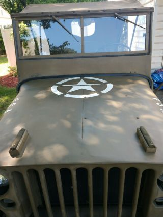 World War II 1945 Willy ' s Jeep 10
