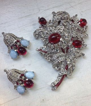Rare Vintage Crown Trifari Ruby And Moonstone Cabochon Set By Alfred Philippe