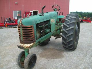 Oliver 77 Antique Pulling Tractor,  Runs Good,  Sells
