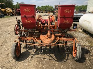Allis Chalmers Model G Antique Tractor 2