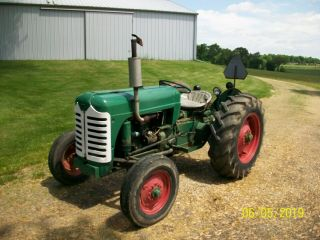 1957 Oliver 55 Antique Tractor farmall allis deere 44 66 77 88 2