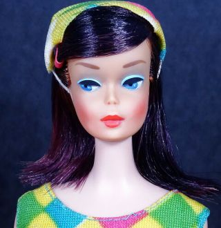 STUNNING Vintage Midnight High Color Color Magic Barbie Doll 2