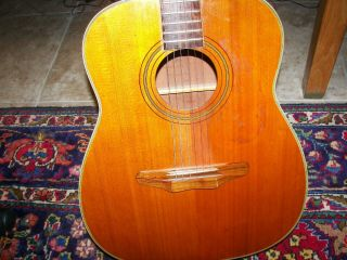 Harmony Sovereign H1260 Vintage Acoustic Guitar With Case/large Body