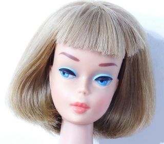 Htf Spectacular Vintage Long Hair Medium Color Blonde American Girl Barbie Doll