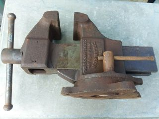 "Vintage Columbian Bench Vise 604 4 "" Inch Jaws 43 Pounds"