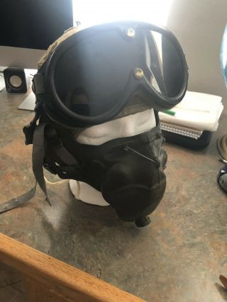 Us Army A - 9 Flight Helmet And Oxygen Mask