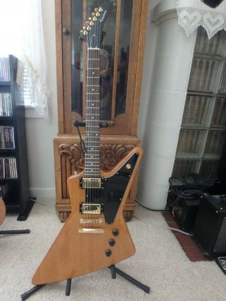 Epiphone Le Exclusive Run 1958 Korina Explorer Reissue Antique Natural.
