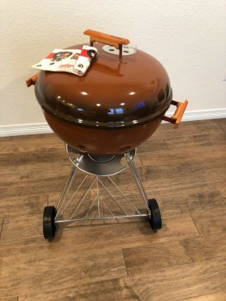 "Vintage 1982 Weber Two Tone Chocolate Brown 18""5 Kettle Grill "" With Tools"
