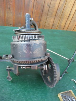 ANTIQUE LEGARE 400 AUTO CSM KNITTER MACHINE Cylinder 72,  Ribber 36 7