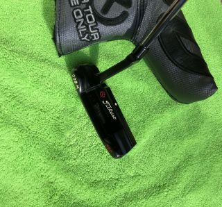 Scotty Cameron Rare Tour 009 - M Masterful Carbon 350g (Circle T) 3