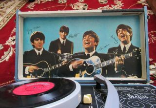 Beatles RARE 1964 BEATLES PHONOGRAPH RECORD PLAYER MODEL 1000 BEAUTY 9