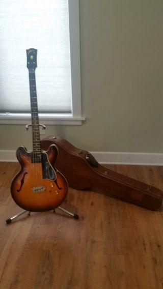 Vintage 1961 Gibson Eb - 2 Electric Bass Guitar With Case.