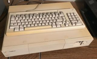Vintage Amiga 1000 Personal Computer System With Keyboard Power Cables Disk