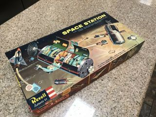 Revell Space Station H - 1805:498 RARE Believed To Be Complete 2